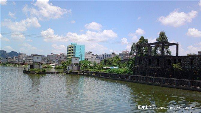 南流江水面-博白沙河小镇图片