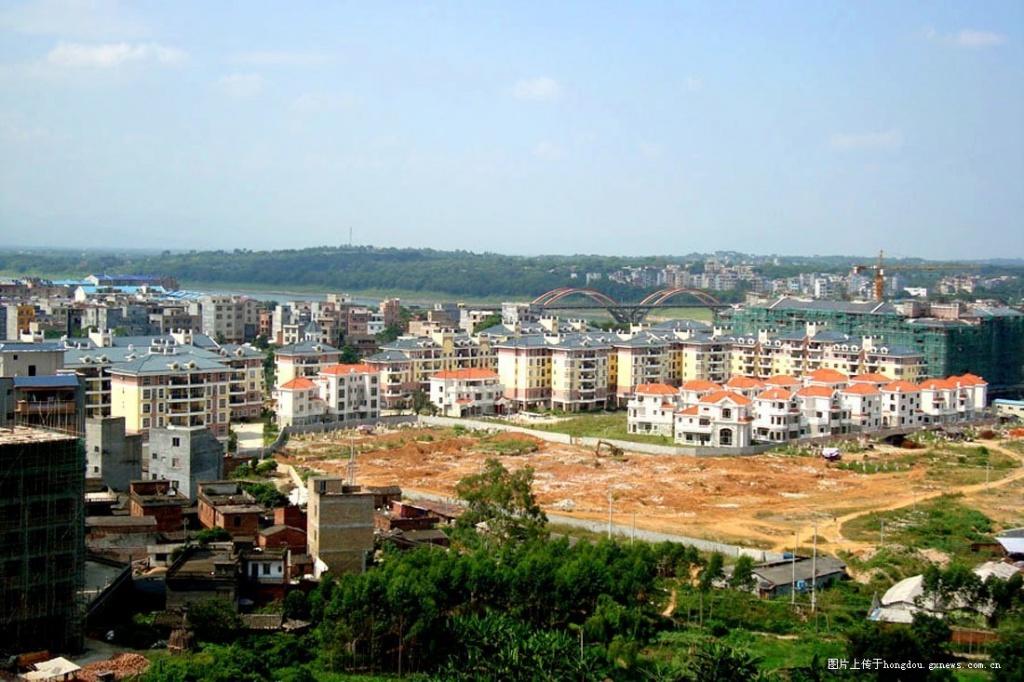 广西桂平市城市建设 图片长期更新