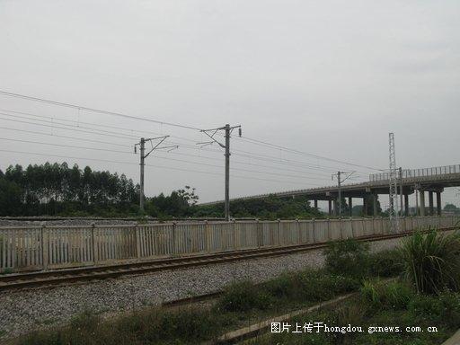 南广高铁贵港火车站新货场附近图片 持续上片图片
