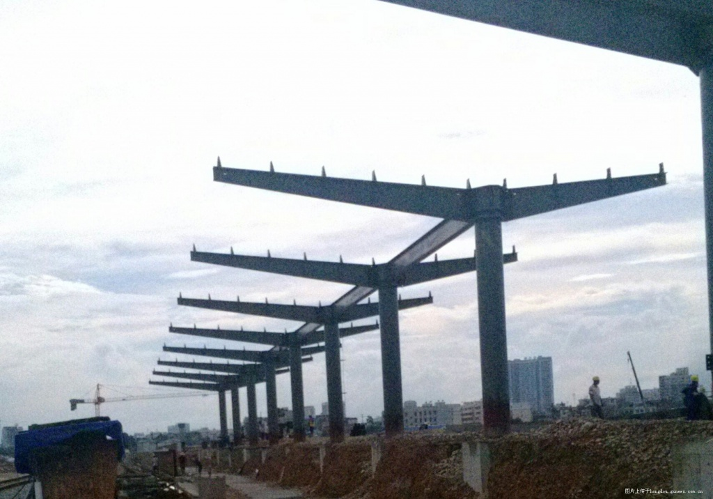 贵港高铁站封顶图片