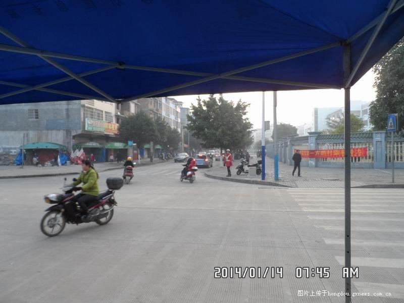 来宾祥和小学上学小学时间太堵了!路口恒合肥大城图片