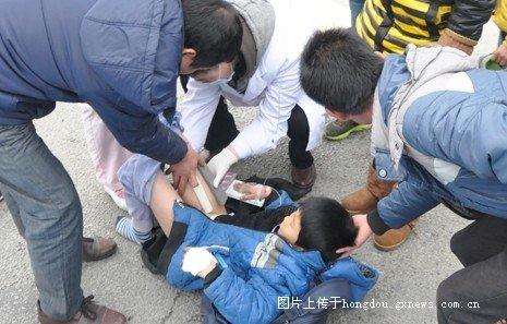 柳州5名小学生斑马线上被撞 司机称刹车突然失灵 有图有真相