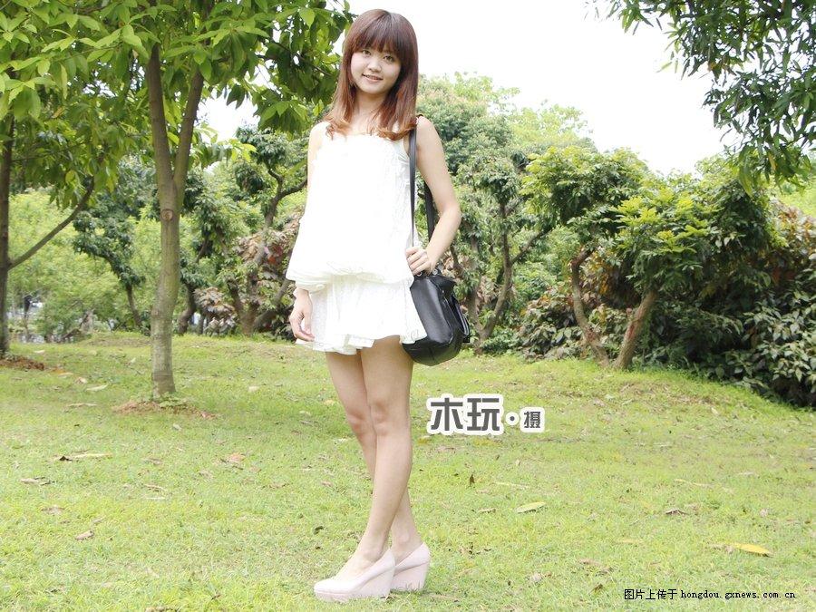 实拍:广西大学可爱女生春装魅力无限,你喜欢哪女生高个子平底鞋图片