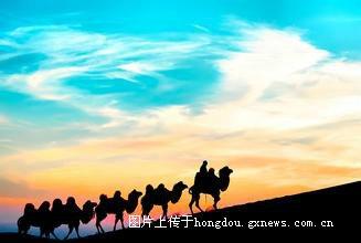 温馨提示 如国庆期间出发的客人,胡杨林景区内游客非常多,