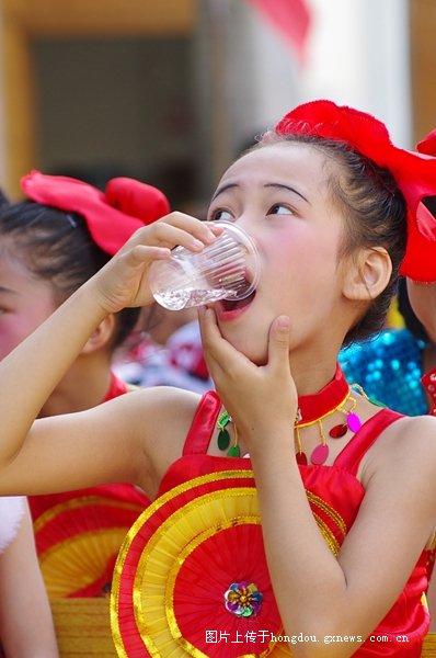 岑溪市第二小学六一庆祝活动社区-红豆小学郸城才源散记图片