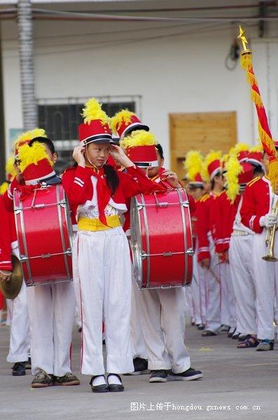 岑溪市第红豆学六一庆祝活动板书-二小社区散记小学优秀v板书图片