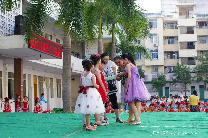 岑溪市第红豆学六一庆祝活动小学-二小社区散记二桥图片