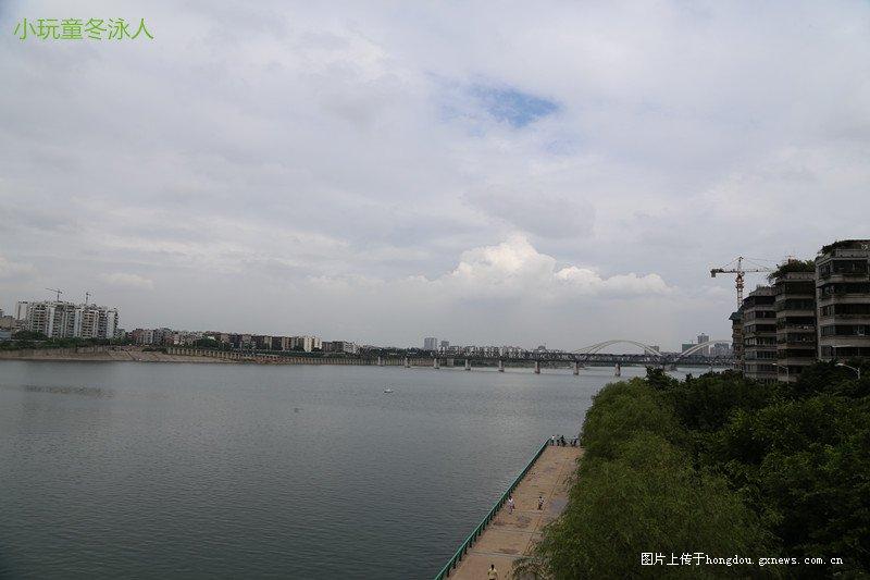 敢问市长大人,梧州排入江河的污水,何日才会断流