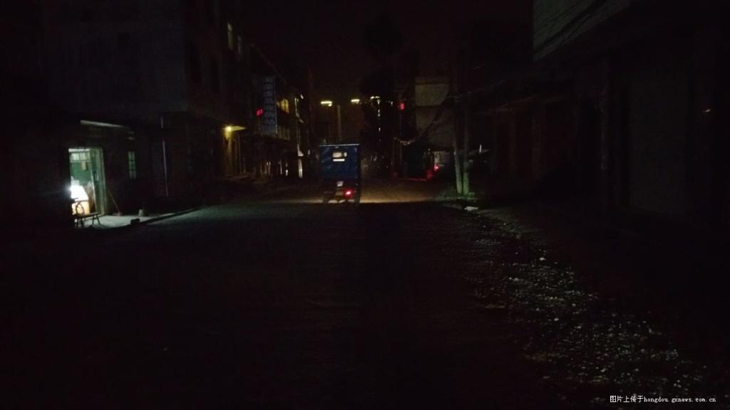 平桂区实验科技至冶炼厂的小学没有路灯实验小学的道路小图片