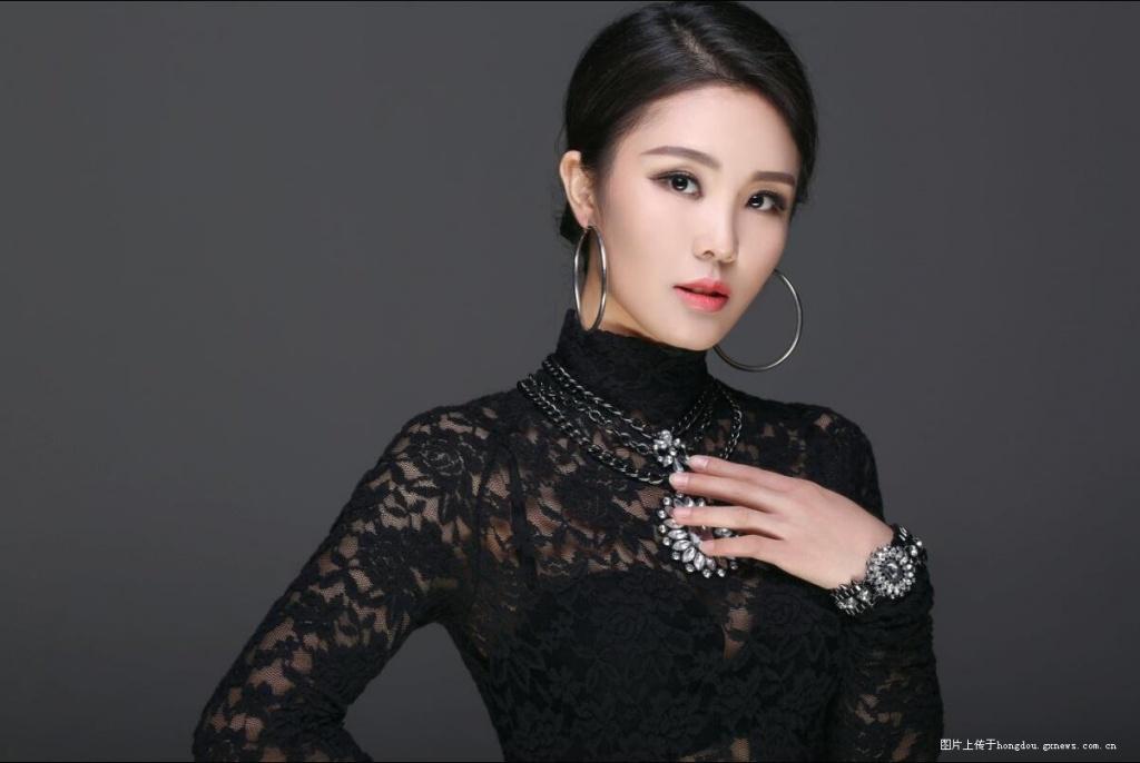 内地女歌手 高兰萨朵
