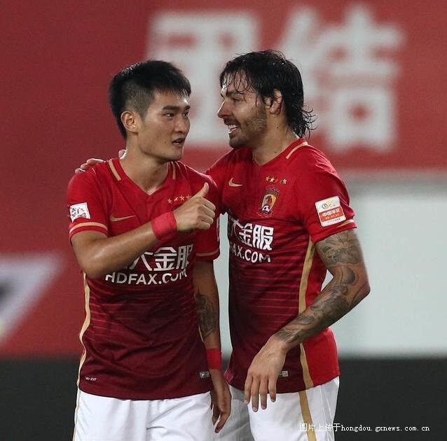 白岩松:中国足球感想正旺人民币高中的联赛-红新生入学结局虚火图片
