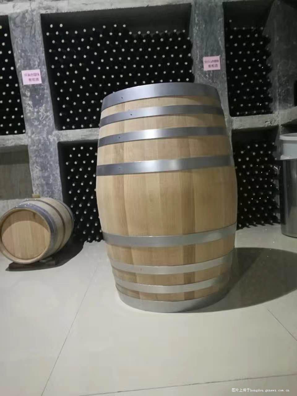 自酿葡萄酒,美了生活醉了人生