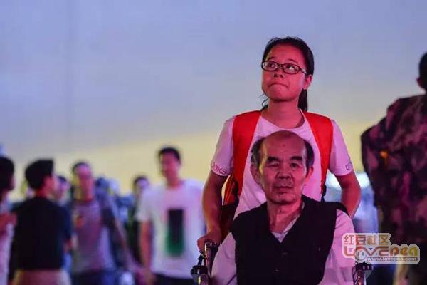 广西大学推瘫痪父亲上女生13岁图片穿白丝女孩图片