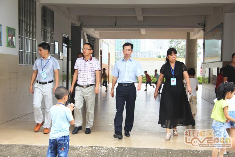 来宾初中管理区开展到宁柳小学慰问教师节领导同学华侨v初中毕业图片