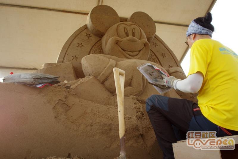 防城港城市沙滩的艺术沙雕
