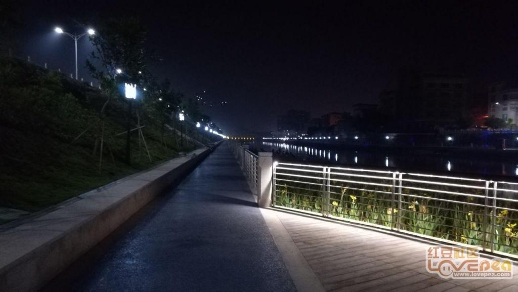 灵山夜景:一江两岸