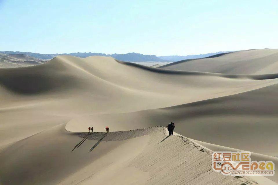 徒步巴丹吉林沙漠