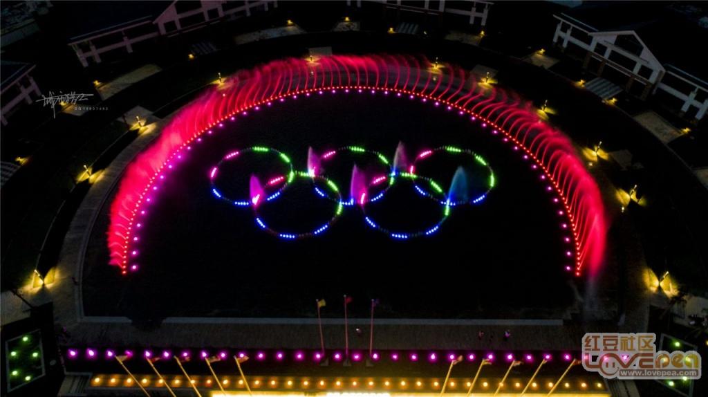 防城港体育小镇音乐喷泉夜景美爆了
