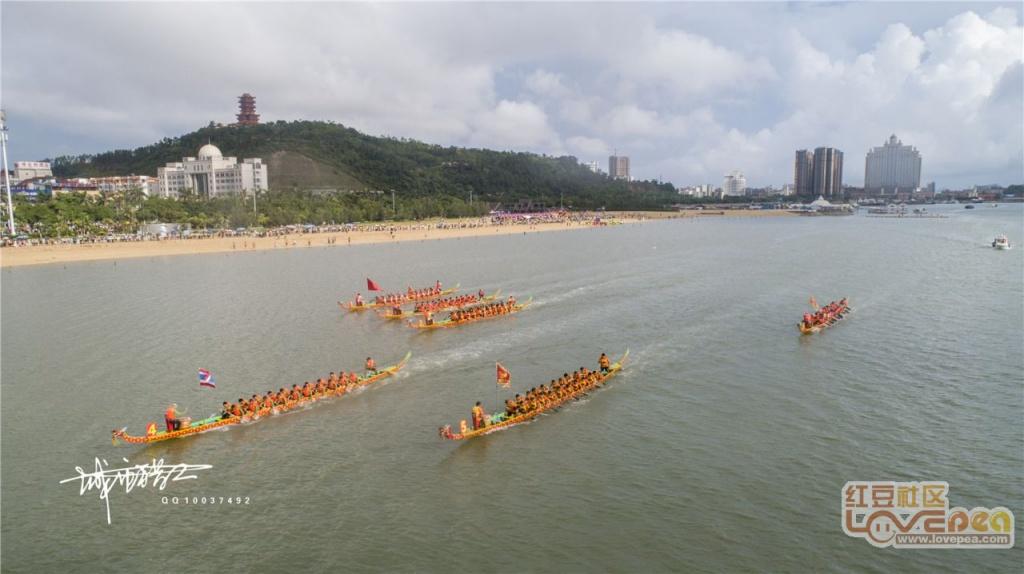航拍2018年防城港市海上国际龙舟赛