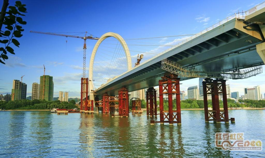 建设中的白沙桥