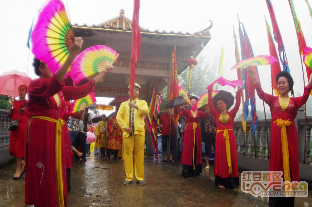 京族过哈节 风雨迎海神
