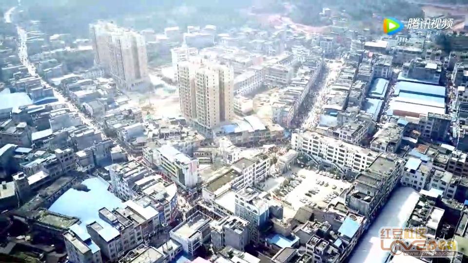 十里镇人口_中国人口最多的十个镇,第一名超过了120万人,是你的家乡吗