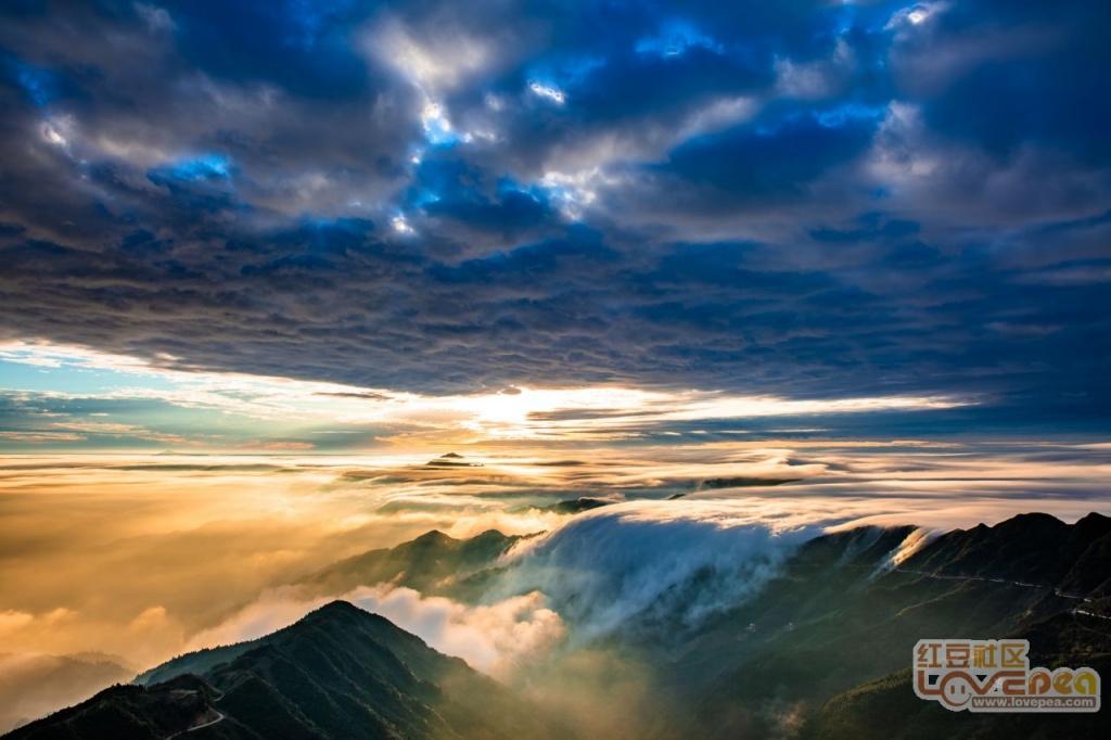 明梅大明山顶震撼云海