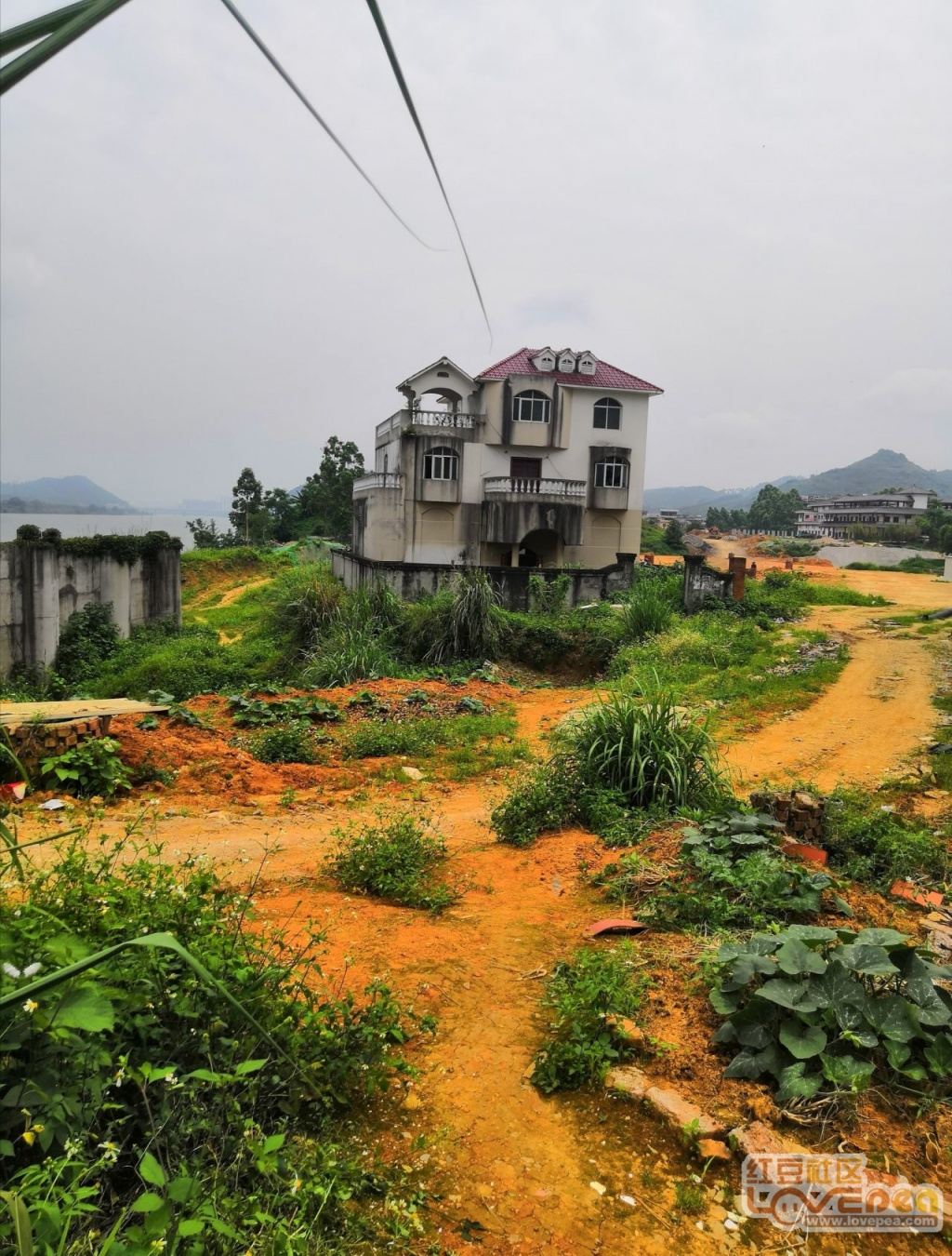 别墅山和源路美食占路几年!别的都强拆了它依古亭汉沽传统图片