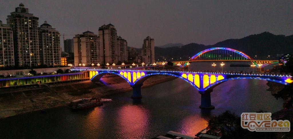 一桥翻新,鸳江夜色呈现不一样的靓丽