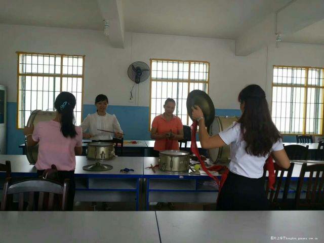 来宾祥和孝心与南泗中心小学帮扶结对v孝心活小学小学演讲稿图片