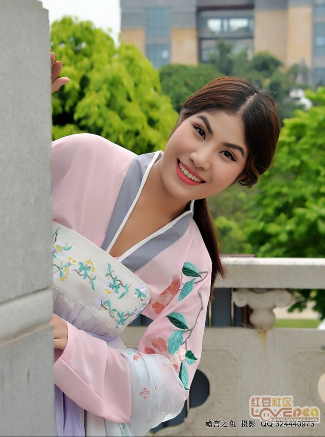 陪泰国美女游览金汇如意坊