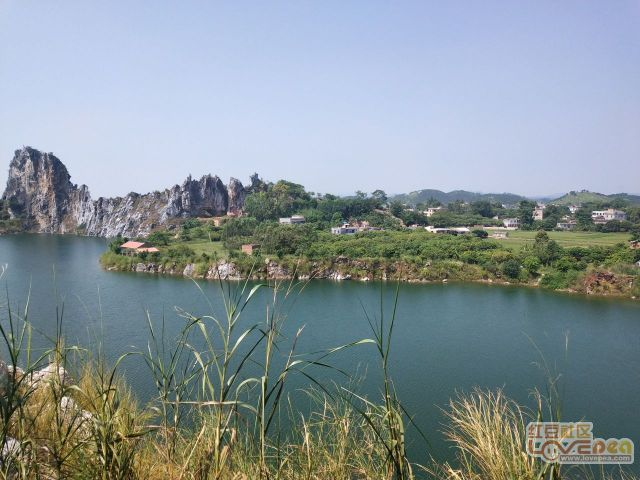 龙武山奇石湖