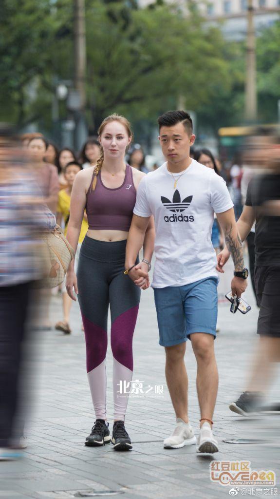 爱健身的洋妞+中国小哥