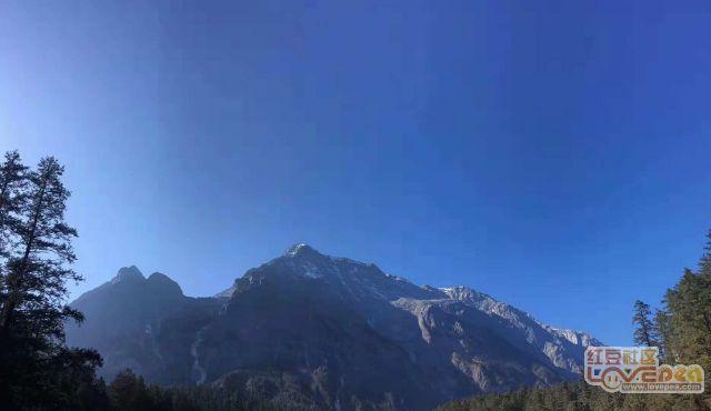 远眺玉龙雪山