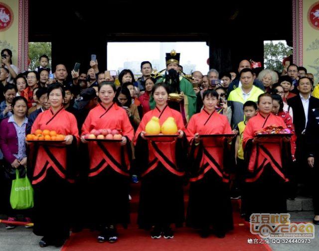 南宁孔庙举行赐福民俗活动