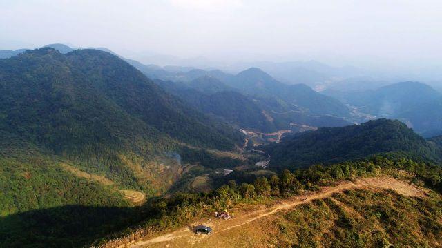 紫霭群峰五峰山