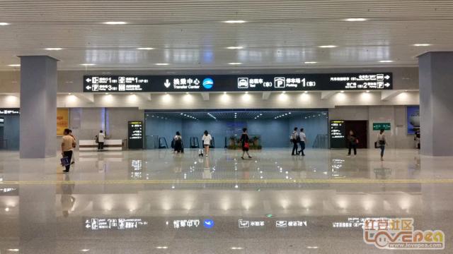柳州火车站东出站口