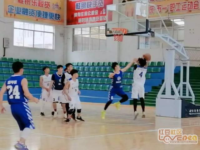 大学生返乡篮球赛