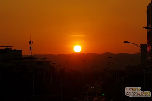 日落文笔山