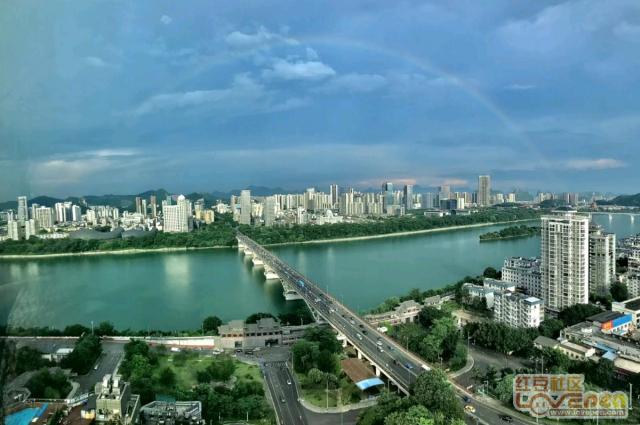 柳州惊现端午彩虹