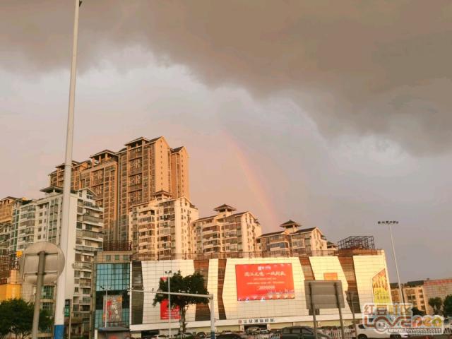 柳州雨后彩虹
